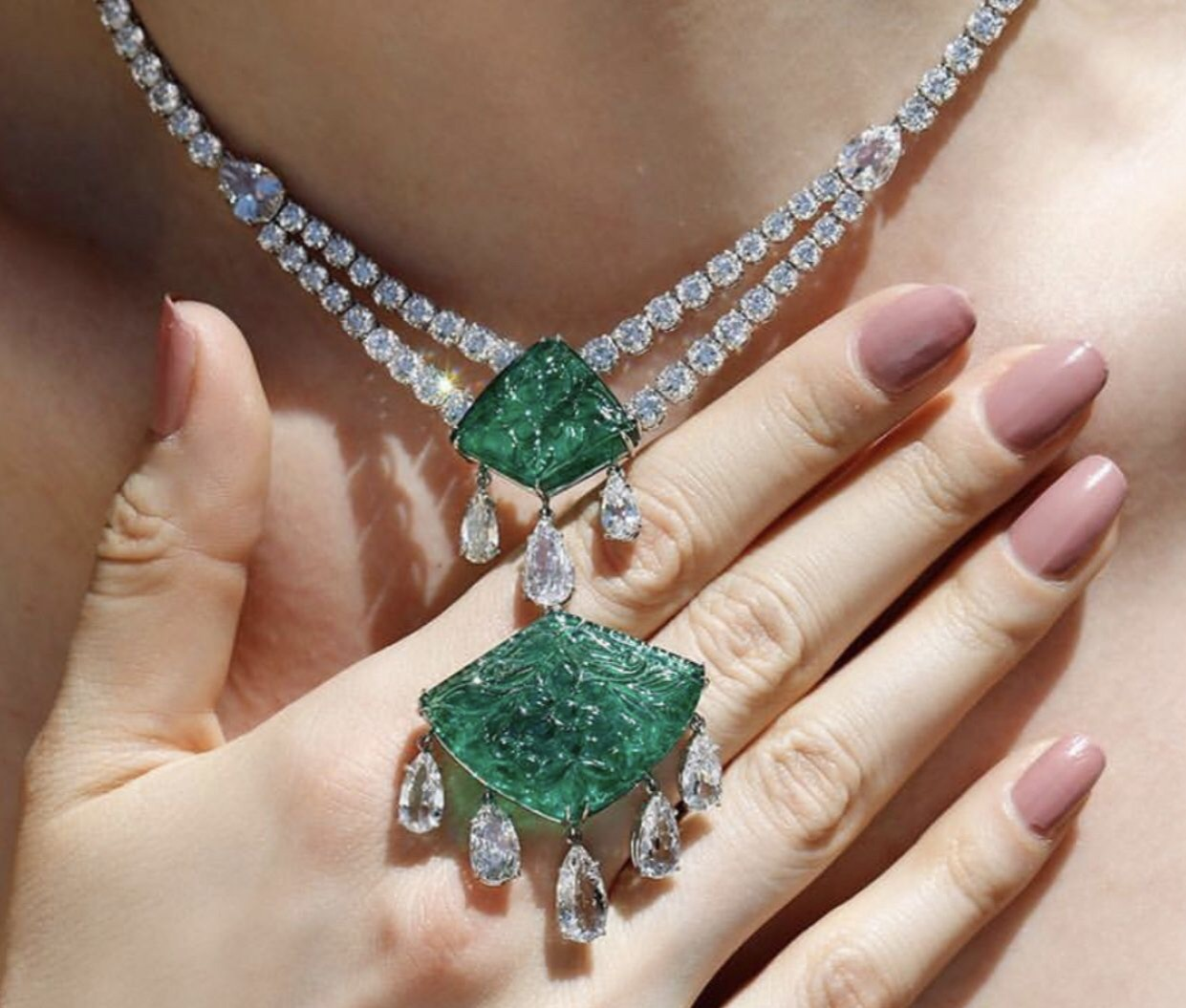 emerald-diamond-necklace