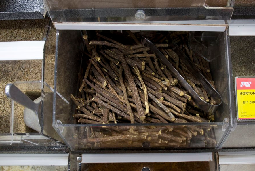Bulk food of licorice root in North America