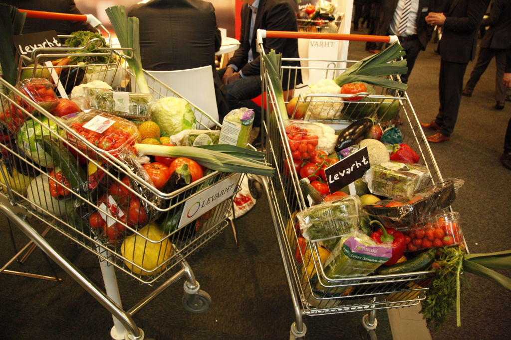 shopping carts getting bigger to fit more food