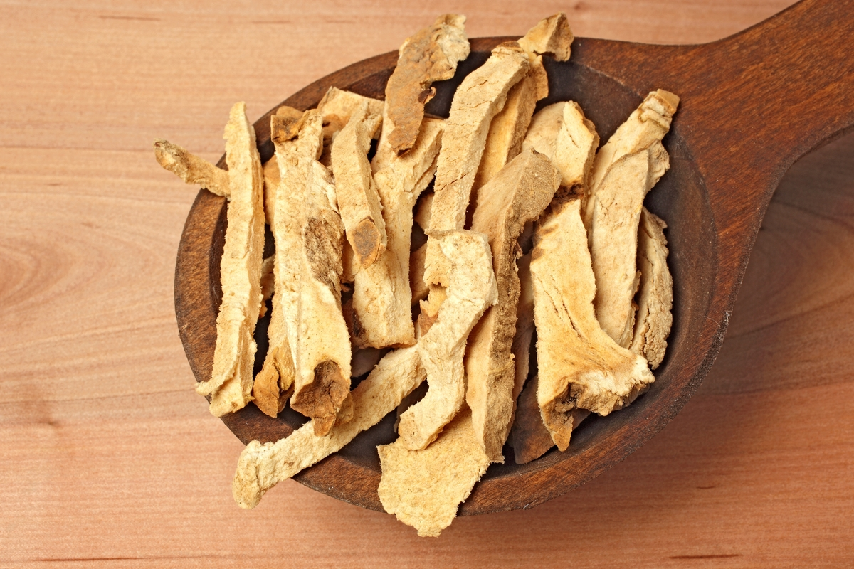 Dried Roots Of The Medicinal Plant Greater Yam. Guyana Arrowroot. Winged Yam. Dioscorea Alata. Bi Xie.