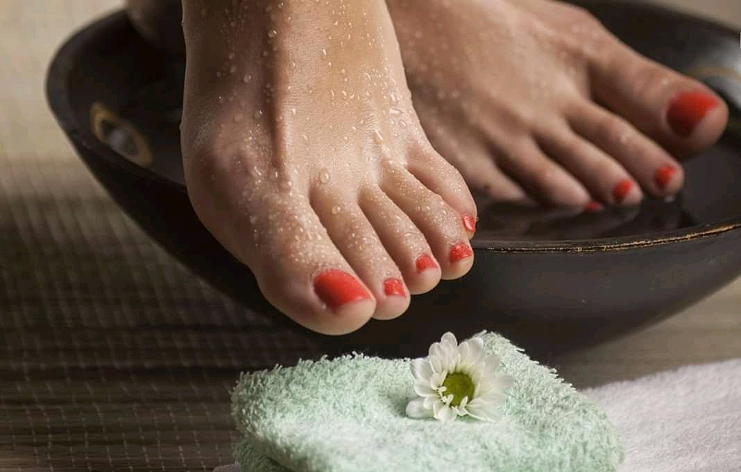 Photo of foot bath illustrating the benefit it has for pain