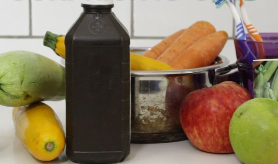 Using hydrogen peroxide to clean vegetables and fruits