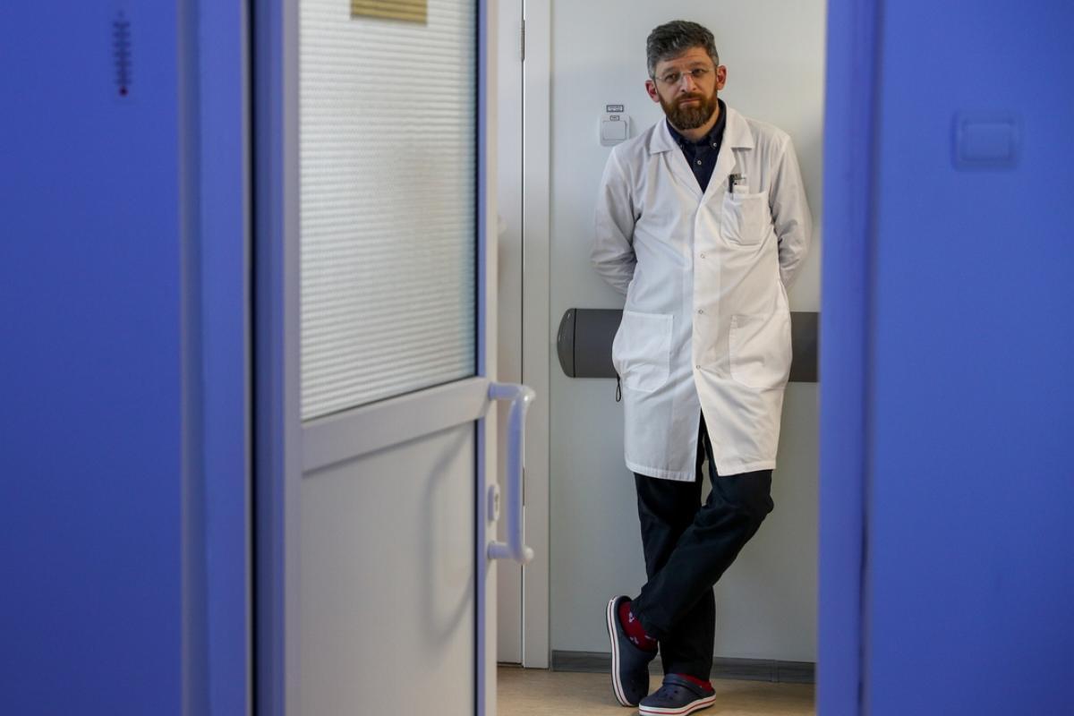 Gynecology department acting head Mikhail Tsurtsumiya at the perinatal center of Konchalovsky Hospital