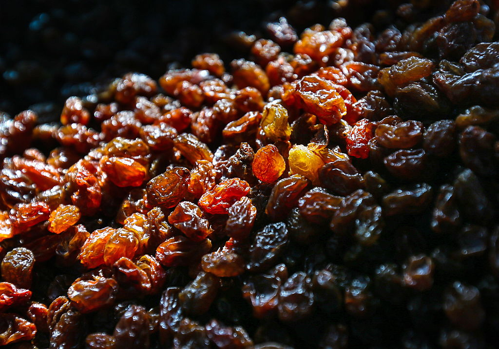 a batch of raisins