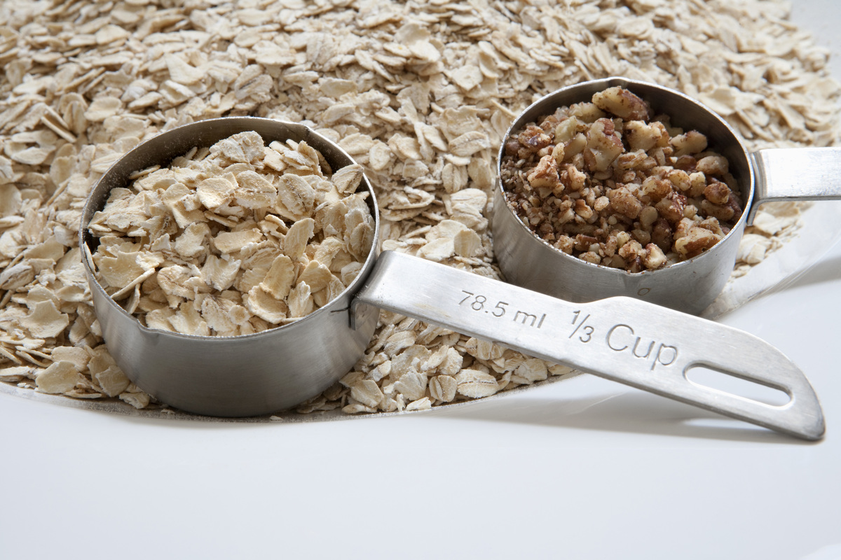 Oats and walnuts are measured in 1/3 cups.