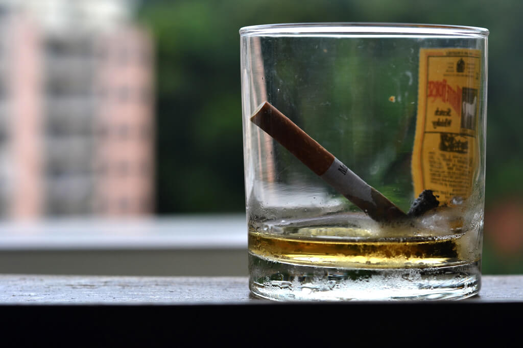 cigarette-whiskey-45518-37746