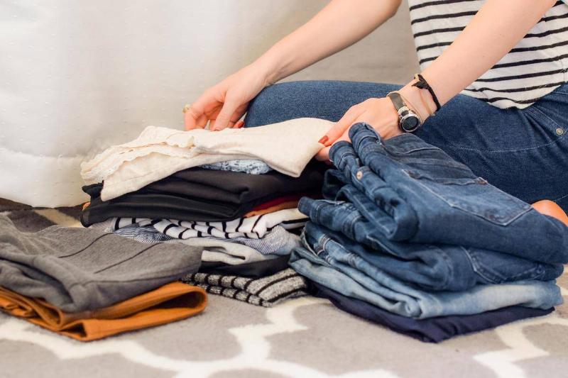 folding-clothes