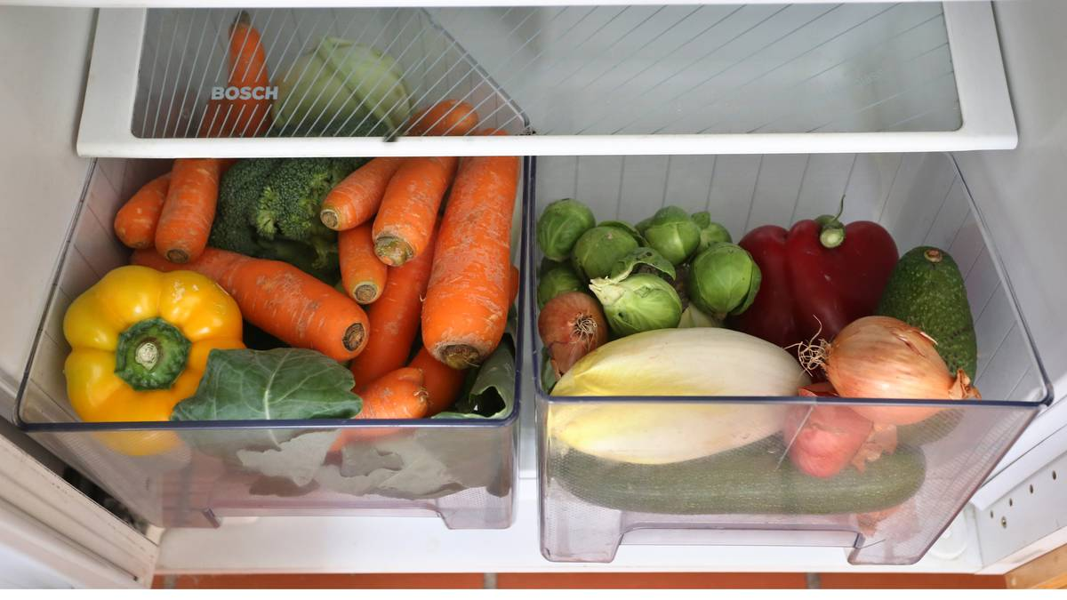 Various vegetables are stored in the vegetable compartments