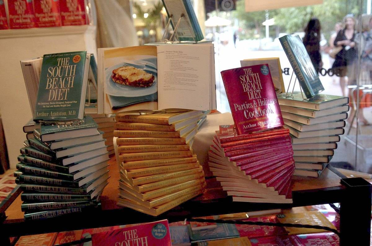 Books on the South Beach Diet are displayed at Books & Books.