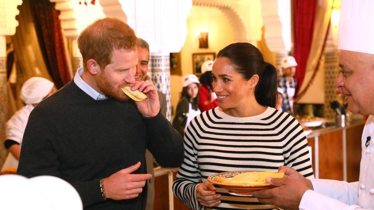 meghan-markle-prince-harry-eating