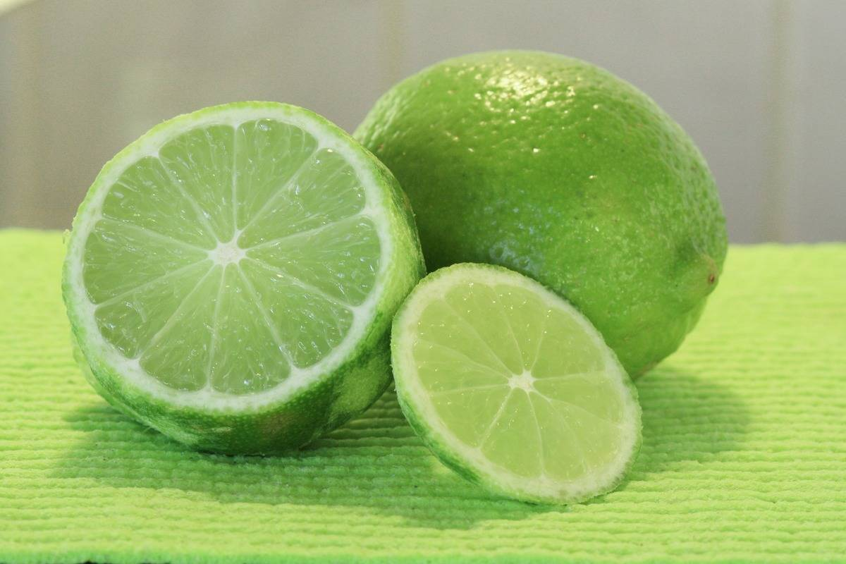 Lime Juice Mixed With A Bit Of Coarse Baking Soda