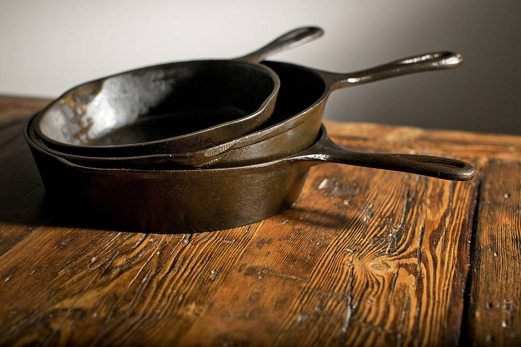 Picture of cast iron skillet