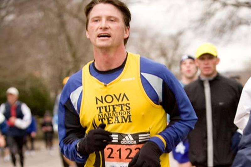 a man running a marathon in marathon challenge