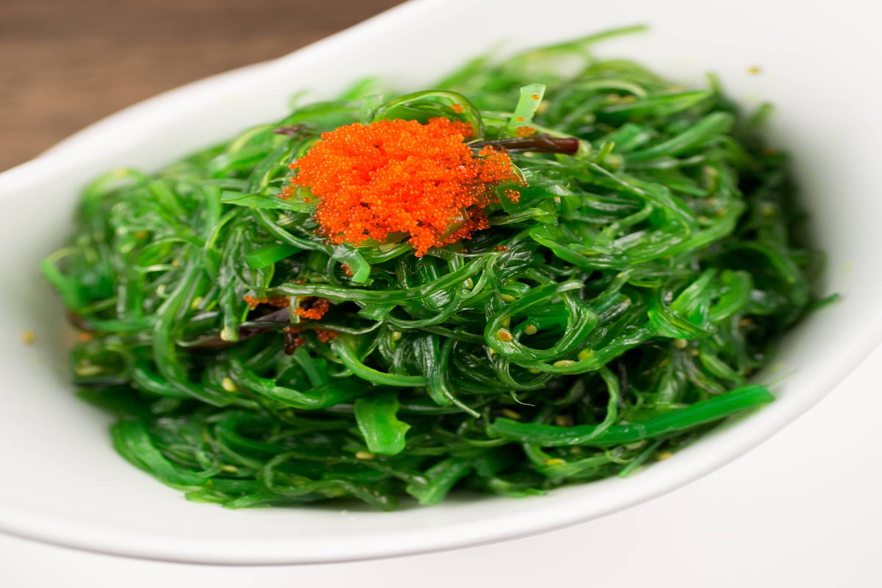 Seaweed salad with salmon roe