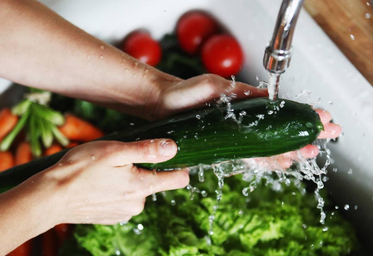 washing-produce