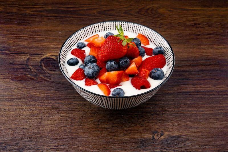 yogurt with strawberries and blueberries